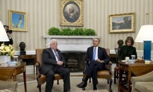 Le-president-americain-Barack-Obama-d-et-le-president-palestien-Mahmoud-Abbas-dans-le-bureau-oval-de-la-Maison-Blanche-a-Washington-le-17-mars