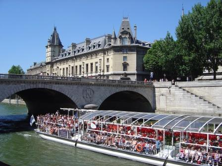 paris_bateau_parisien_tourisme