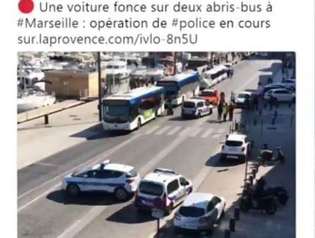 Marseille: un véhicule fonce sur 2 abribus faisant un mort