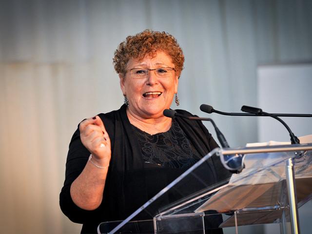 Myriam Peretz, «  mère de la nation  » : l'émotion d'un grand jour