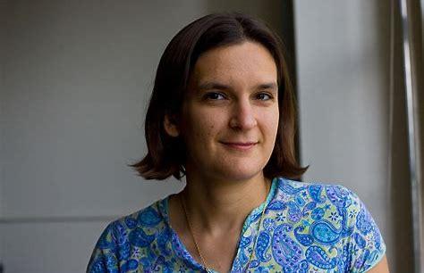 Cocorico! Esther Duflo.  René Seror