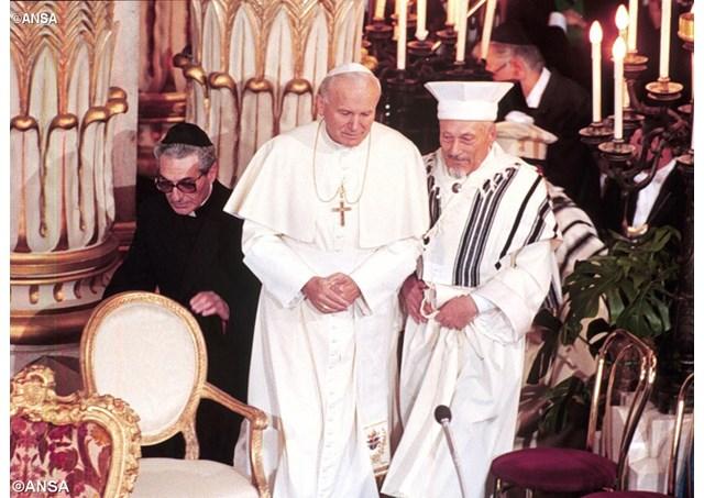 Visite de Jean-Paul II à la grande synagogue de Rome le 13 Avril 1986