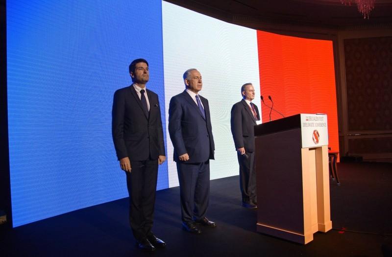 L'hommage de Benjamin Nétanyahou et de l'Ambassadeur français aux victimes des attentats de Paris