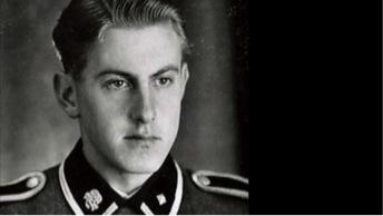 Reinhold Hanning, photographié en uniforme SS, garde à Auschwitz - bbc.co.uk