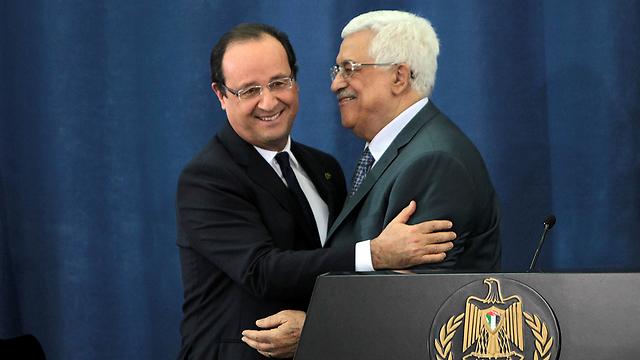 La France soutient politiquement et financièrement les Palestiniens