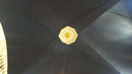 plafond etoile synagogue carpentras