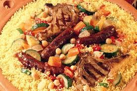 Les recettes du couscous sont innombrables, avec différents ajouts selon les familles, les époques et les régions, comme les boulettes des juifs de Tunisie.